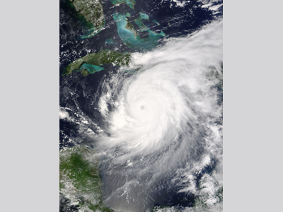 Satellite image of hurricane ivan off of Jamaica